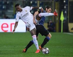 Real Madrid vất vả giành chiến thắng trước Atalanta
